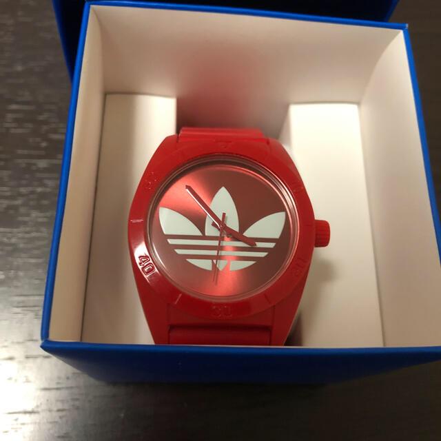 adidas(アディダス)のアディダス 時計 赤 メンズの時計(腕時計(アナログ))の商品写真