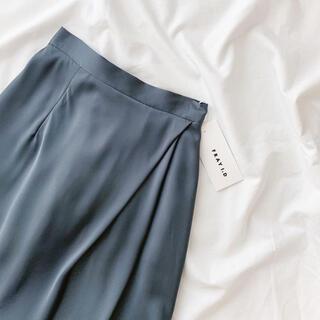 FRAY I.D - サテンタックナロースカート
