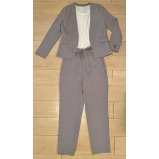 ジーユー(GU)のGU セットアップ ノーカラージャケット リボン付きテーパードパンツ スーツ(スーツ)