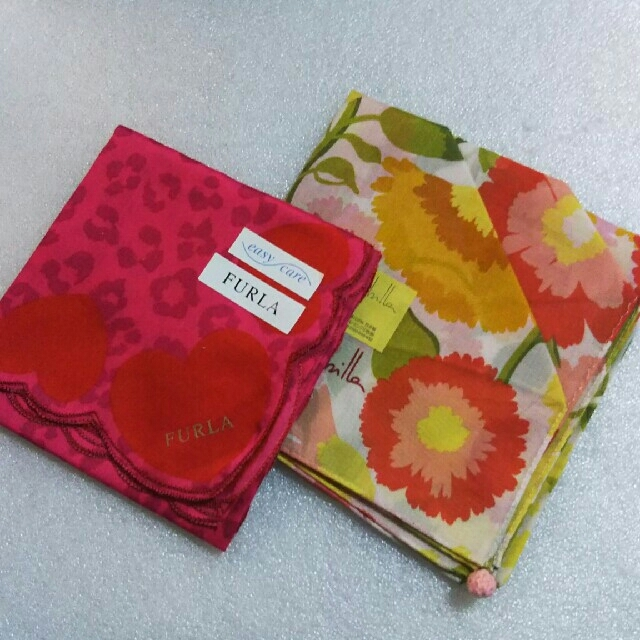 Furla(フルラ)の値下げ📌フルラ&シビラ☆大判ハンカチ2枚セット レディースのファッション小物(ハンカチ)の商品写真