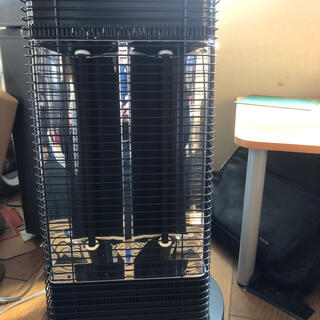 ダイキン(DAIKIN)のダイキン 遠赤外線暖房機 セラムヒート ERFT11WS-H(電気ヒーター)
