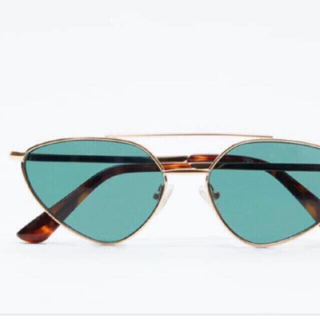 ZARA(ザラ)の【新品】ZARA 最新作 メタルフレームサングラス レディースのファッション小物(サングラス/メガネ)の商品写真