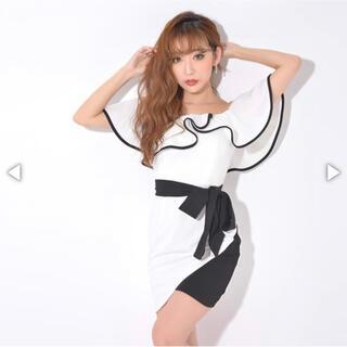 デイジーストア(dazzy store)のバイカラーフレアスリーブオフショルタイトミニドレス(ナイトドレス)