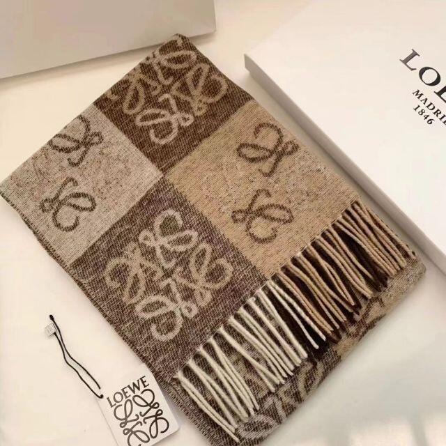 LOEWE(ロエベ)の美品LOEWE マフラー高品質 レディースのファッション小物(マフラー/ショール)の商品写真