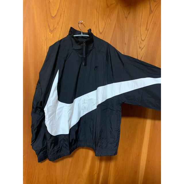 NIKE(ナイキ)の【人気】ナイキ 刺繍ビックスウッシュ ウーブンジャケット メンズのジャケット/アウター(ナイロンジャケット)の商品写真