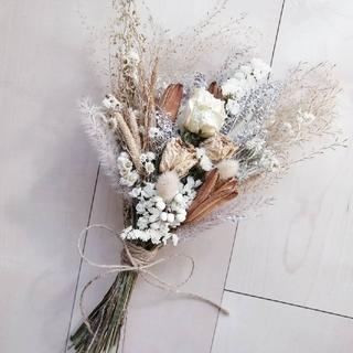バラとヤマユリ花殻のアンティークスワッグ(ドライフラワー)