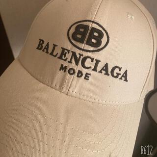 Balenciaga - バレンシアガキャップ クリーム