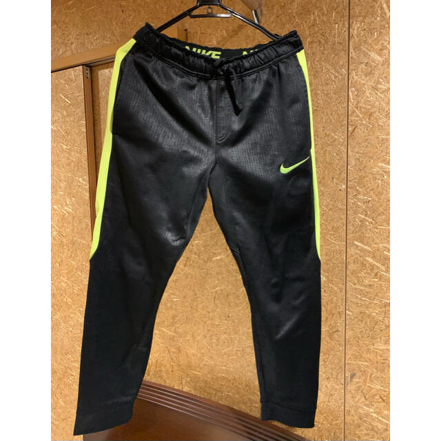 NIKE(ナイキ)のNIKE THERMA-FIT  men's S スポーツ/アウトドアのランニング(ウェア)の商品写真