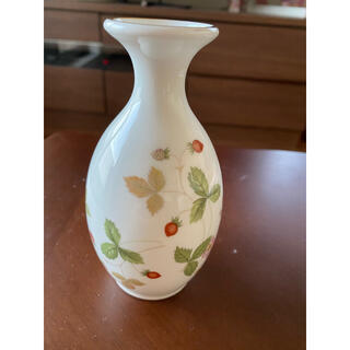 WEDGWOOD - ウェッジウッド ワイルドストロベリー 一輪挿し 花瓶