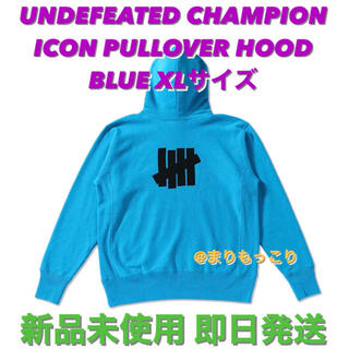 アンディフィーテッド(UNDEFEATED)の新品 UNDEFEATED champion コラボ ビッグロゴ パーカー(パーカー)