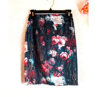 ロイヤルパーティー(ROYAL PARTY)の新品 ミドル丈フラワープリントスカート(ひざ丈スカート)