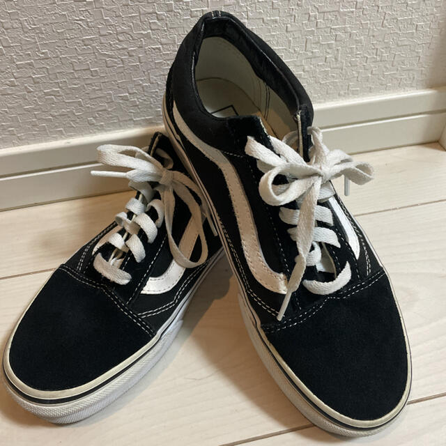 VANS(ヴァンズ)のバンズ オールド スクール ブラック ホワイト レディースの靴/シューズ(スニーカー)の商品写真