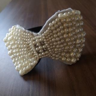 カシラ(CA4LA)の定価2万程 ヘッドドレス パールリボン カチューシャ(カチューシャ)