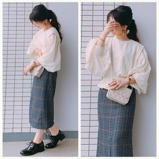 ジーユー(GU)のグレー チェックナローミディスカート(ひざ丈スカート)
