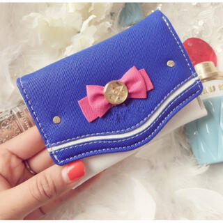 ♡青色♡新品♡ カード入れ  財布 セーラームーン柄 ミニ財布 折り財布 可愛い