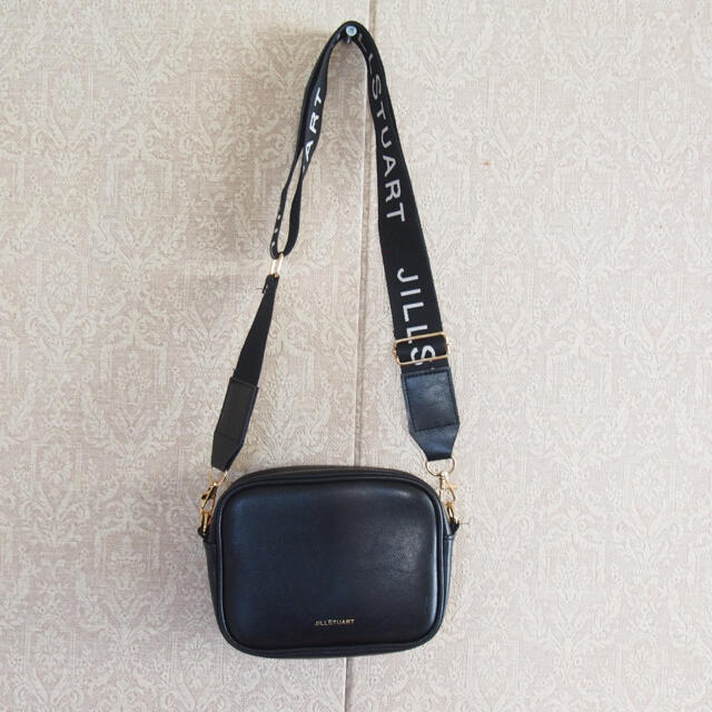 JILLSTUART(ジルスチュアート)のジル ポシェット ポーチ レア 限定品 ジルスチュアート ロゴ ショルダー レディースのバッグ(ショルダーバッグ)の商品写真