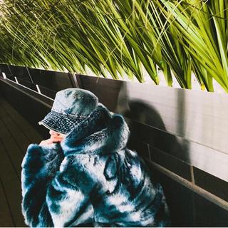 Supreme - Faux Fur Reversible Hoodie jacket