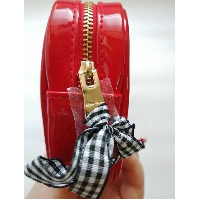 miumiu(ミュウミュウ)のMiumiuミュウミュウ   伊勢丹限定ノベルティ 赤ポーチ レディースのファッション小物(ポーチ)の商品写真