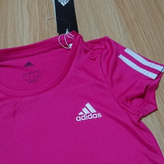 adidas(アディダス)のadidasのTシャツ140 キッズ/ベビー/マタニティのキッズ服女の子用(90cm~)(Tシャツ/カットソー)の商品写真