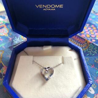ヴァンドームアオヤマ(Vendome Aoyama)の美品 ホワイトゴールド ネックレス 保証書つき(ネックレス)