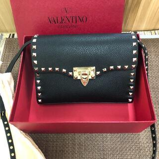 VALENTINO - ヴァレンチノ ロックスタッズ クロスバッグ 黒