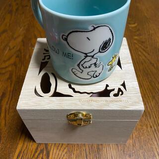 スヌーピー(SNOOPY)の木箱入りスヌーピーのマグカップ(マグカップ)
