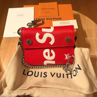 LOUIS VUITTON - 新品 国内正規品 本物‼️ルイ ヴィトン×シュプリーム チェーン付き3つ折り財布