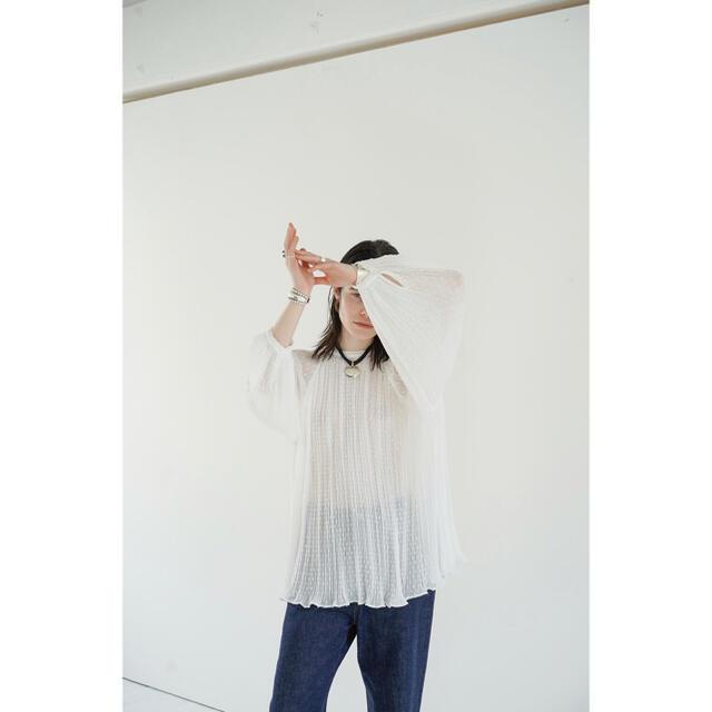 STUDIOUS(ステュディオス)のclane DOT JACQUARD SMOCK TOPS レディースのトップス(シャツ/ブラウス(長袖/七分))の商品写真