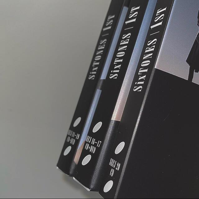 Johnny's(ジャニーズ)のSixTONES アルバム 1st エンタメ/ホビーのDVD/ブルーレイ(ミュージック)の商品写真