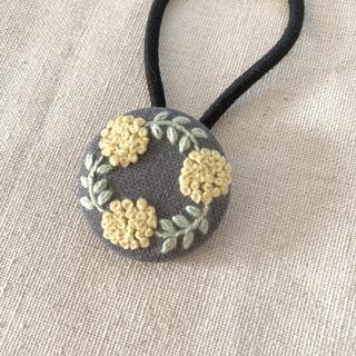 花 刺繍 ヘアゴム  くるみボタン 27㎜ キッズ 子供も ナチュラル 北欧