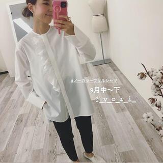 Drawer - 春に白ブラウス❤︎yori ヨリ ノーカラーフリルシャツ 白36