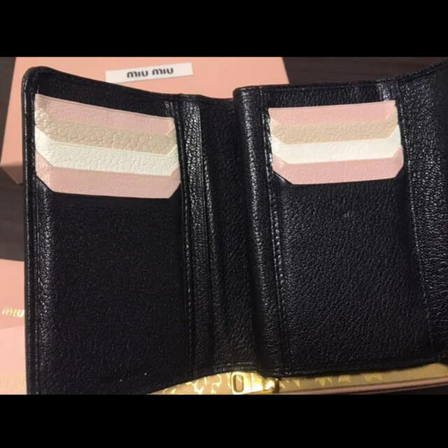 5M1225 miumiu マドラス 黒 白 マルチ バイカラー 三つ折り財布 レディースのファッション小物(財布)の商品写真