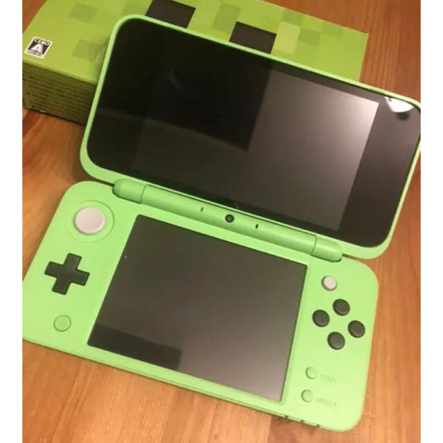 ニンテンドー2DS(ニンテンドー2DS)のNewニンテンドー3DS LL マインクラフト クリッパーエディション 美品 エンタメ/ホビーのゲームソフト/ゲーム機本体(携帯用ゲーム機本体)の商品写真