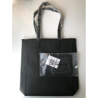 GIVENCHY - 【新品未使用】ジバンシー ノベルティ限定 トートバック&ポーチセット(ブラック)