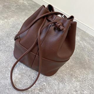 新品✴︎最新作✴︎フェイクレザー バケットバッグ 巾着bag ブラウン