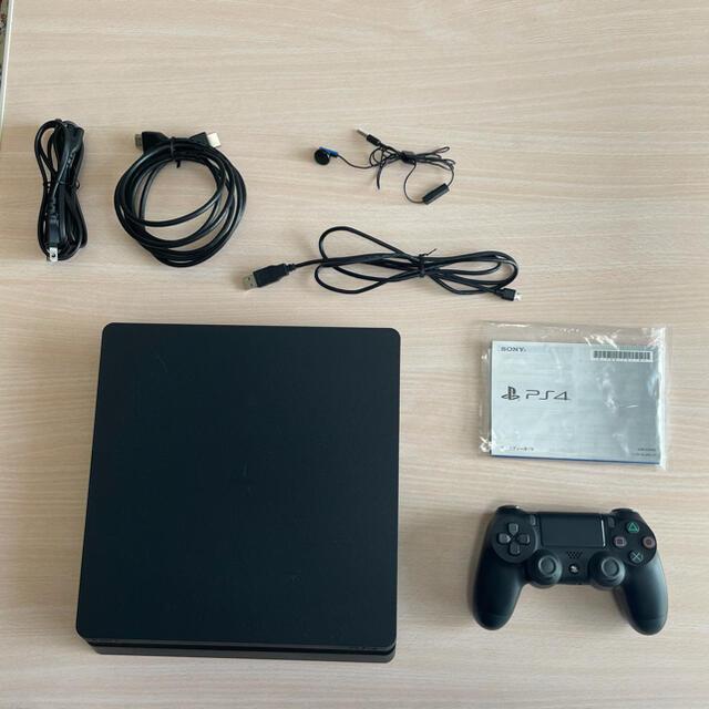 PlayStation4(プレイステーション4)のPlayStation4(CUH-2200AB01) 【おまけ:FIFA19付】 エンタメ/ホビーのゲームソフト/ゲーム機本体(家庭用ゲーム機本体)の商品写真
