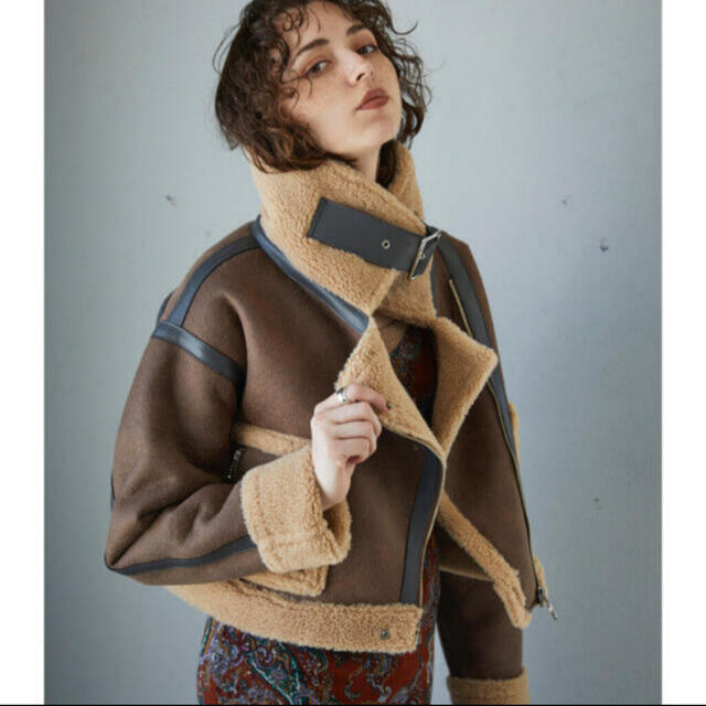 ALEXIA STAM(アリシアスタン)のジュエミ ムートンジャケット レディースのジャケット/アウター(ムートンコート)の商品写真