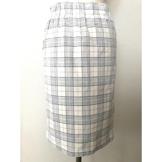 URBAN RESEARCH(アーバンリサーチ)のURBAN RESEARCH コーデュロイ タイトスカート レディースのスカート(ひざ丈スカート)の商品写真