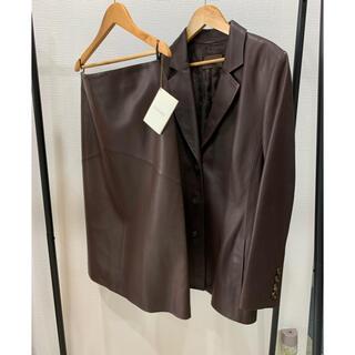 ロエベ(LOEWE)の1回 定価50万 ロエベ セットアップ 最高級 ラムレザー レディース スーツ(スーツ)