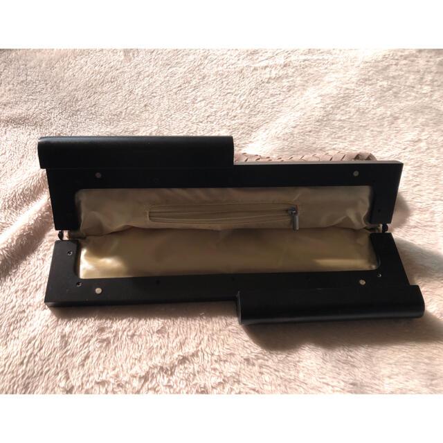 【美品】パイソン編み クラッチバック ベージュ×ブラック レディースのバッグ(クラッチバッグ)の商品写真