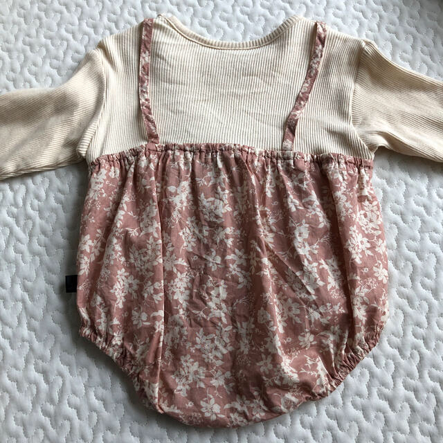 futafuta(フタフタ)のtete a tete 花柄ロンパース 70 キッズ/ベビー/マタニティのベビー服(~85cm)(ロンパース)の商品写真