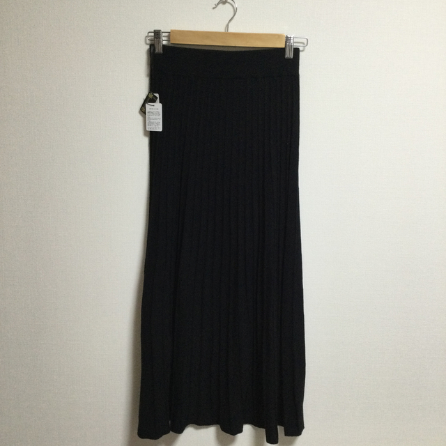 ZARA(ザラ)の♡新品♡ニットプリーツスカート ブラック  レディースのスカート(ロングスカート)の商品写真