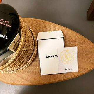 シャネル(CHANEL)のシャネル ゴールドのカメリア しおり ブックマーカー1枚入り非売品(しおり/ステッカー)