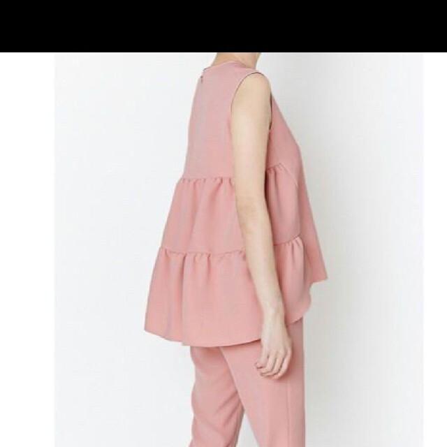 DEUXIEME CLASSE(ドゥーズィエムクラス)のヨーコチャン バックティアードブラウス ピンク  YOKO CHAN    レディースのトップス(シャツ/ブラウス(半袖/袖なし))の商品写真