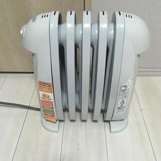 デロンギ(DeLonghi)のデロンギミニオイルヒーター TRN0505JS(オイルヒーター)