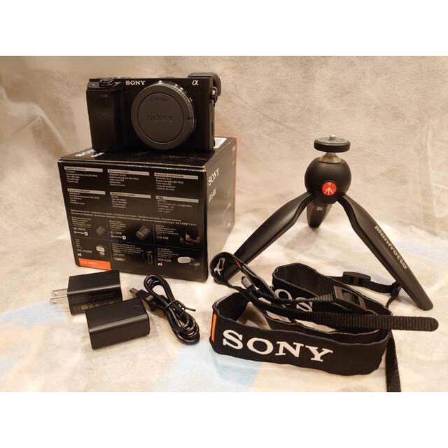 SONY(ソニー)の【美品】Sony a6400 ボディ+ マンフロット三脚、バッテリーその他 スマホ/家電/カメラのカメラ(ミラーレス一眼)の商品写真