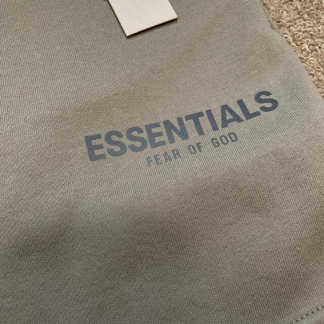 FEAR OF GOD(フィアオブゴッド)のS FOG Fear Of God Essentials スウェットショーツ メンズのパンツ(ショートパンツ)の商品写真