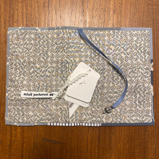 mina perhonen(ミナペルホネン)のミナペルホネン  正規品ブックカバー タグ付新品未使用品 キッズ/ベビー/マタニティのこども用ファッション小物(その他)の商品写真