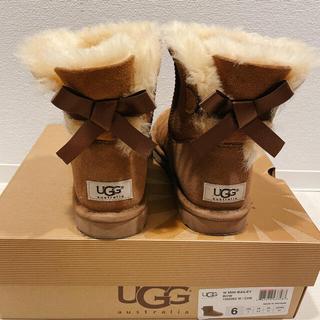 アグ(UGG)の【正規品】UGG ムートンブーツ リボン US6サイズ(ブーツ)