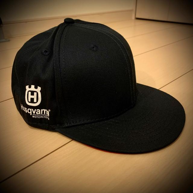 NEW ERA(ニューエラー)のニューエラ Husqvarna ハスクバーナ フラット キャップ  メンズの帽子(キャップ)の商品写真